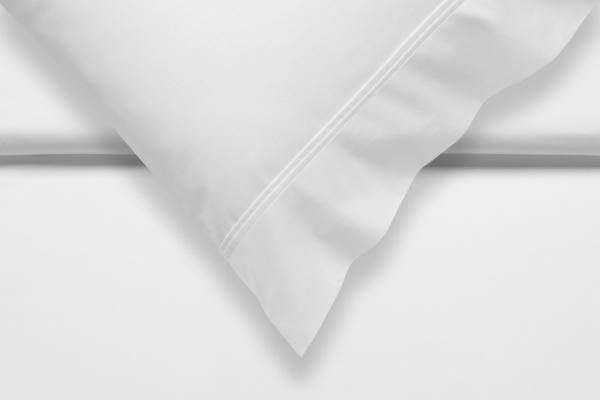 Pur.87 Uni Satin Sængurver White90